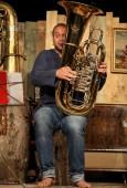 Tubist Andreas Hofmeir bei Kleinkunstprogramm 'Wer dablost's' im Kulturzentrum neun, Halle 9  Hauser, 14.09.2014